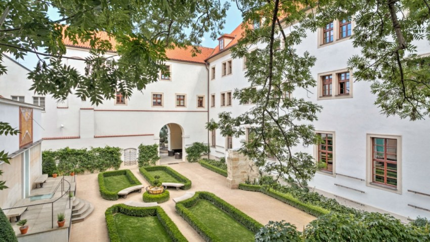 Praga Augustine hotel garden - The Style Lovers