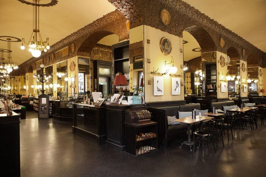 Trieste tra caffè botteghe storiche e design - Antico Caffè San Marco - thestylelovers.com