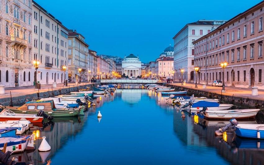 Trieste tra caffè botteghe storiche e design - Canal Grande - thestylelovers.com