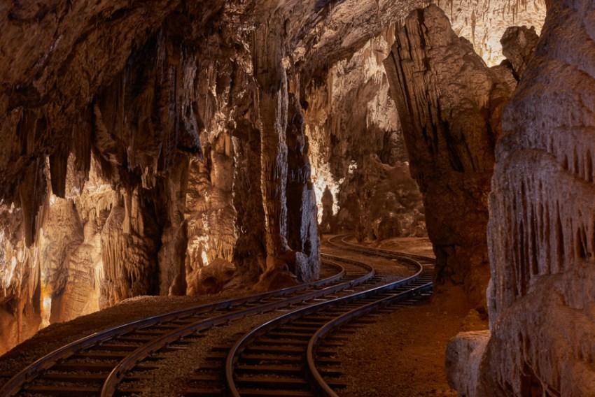 Visita alle Grotte di Postumia trenino - thestylelovers.com