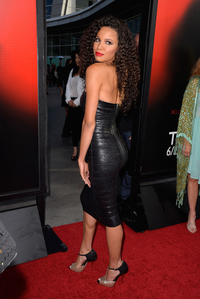 Jurnee Smollett Bell Works Her Curly Strands On The Red
