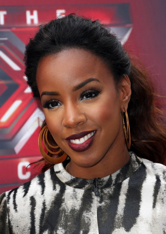 https://i0.wp.com/thestylenewsnetwork.com/wp-content/uploads/2013/07/Kelly-Rowland-With-Gorgeous-Ombre-Ponytail-4.jpg?resize=583%2C819