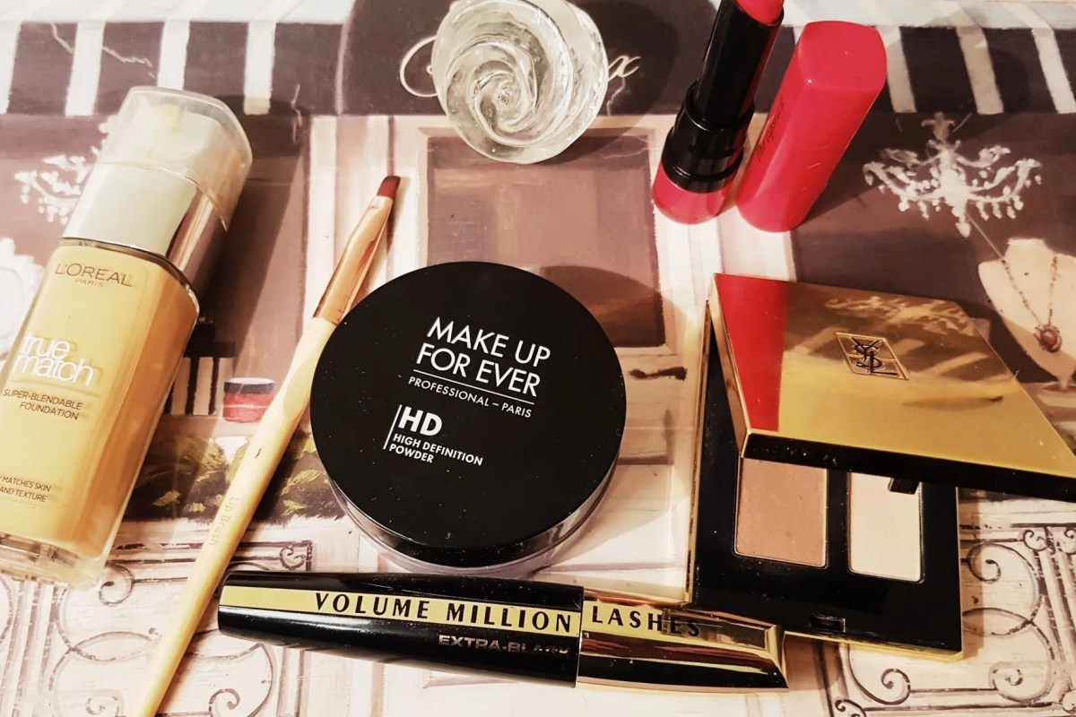 Chic Makeup with 5 Products
