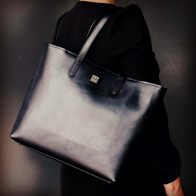 The Style Trust_Nikki Williams Leather Bags_Hampton Tote Black
