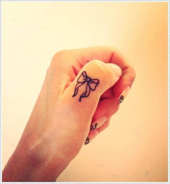 Bow-Finger-Tattoo