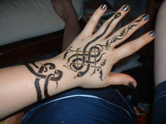 hand-tattoos-15