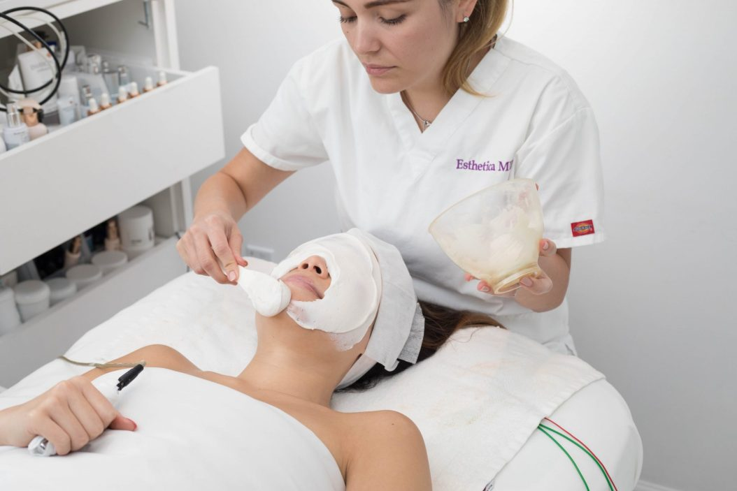Esthetica MD Microdermabrasion Alginate Mask Electroporation - Kasey Ma of TheStyleWright