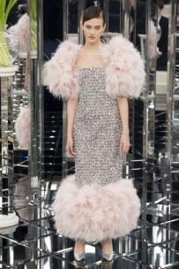 Model: Jing Wen