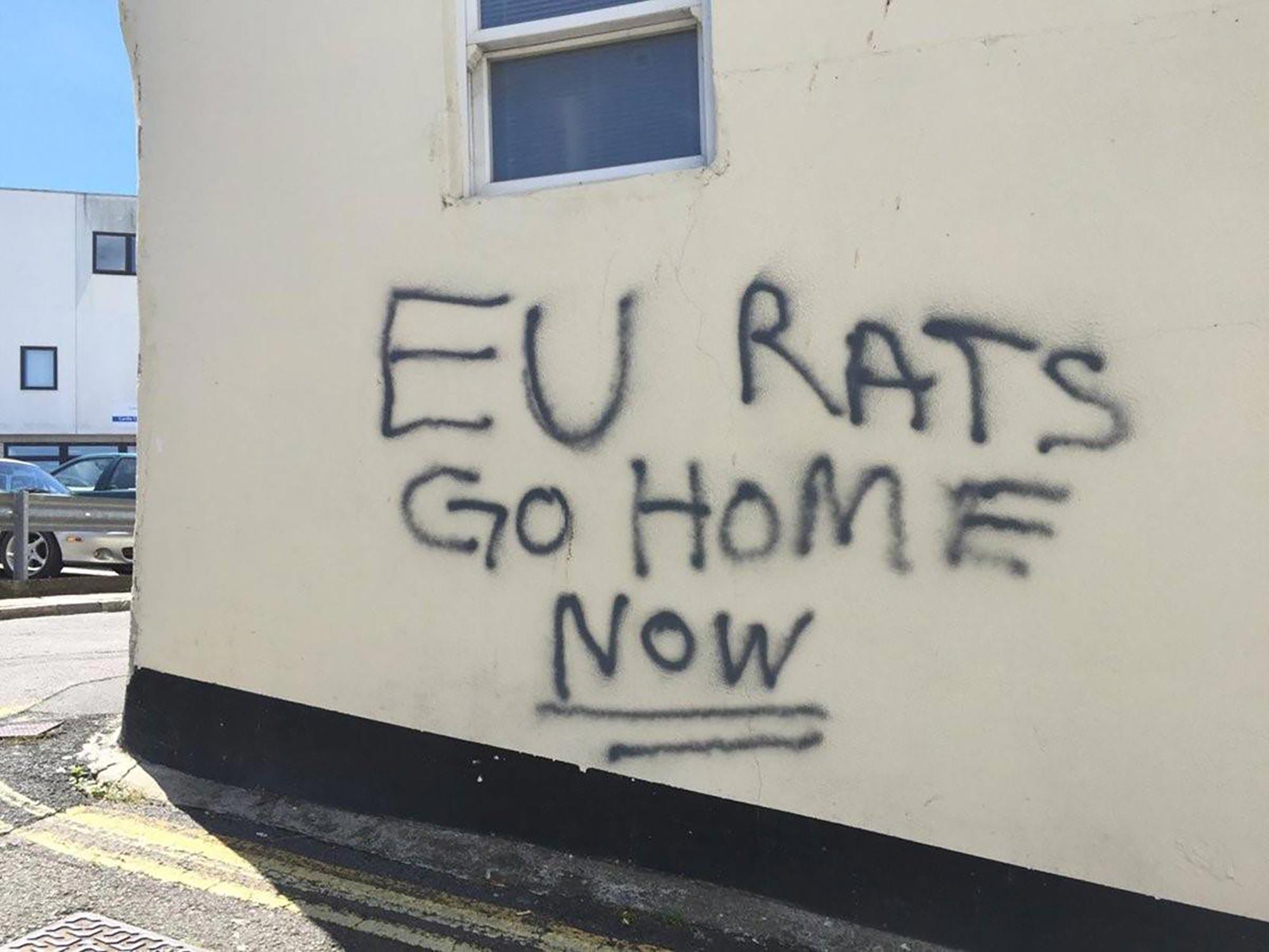 """Dopo il voto: i """"segnali preoccupanti"""" del razzismo nel Regno Unito"""