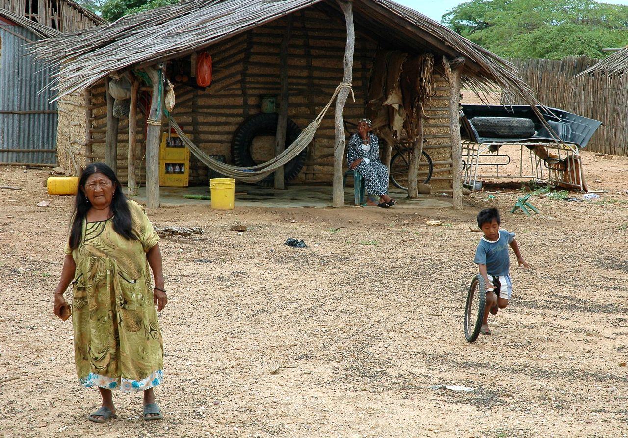 I Wayúu colombiani muoiono di sete ma il governo preferisce dare acqua alle miniere