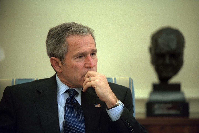 14 anni e qualche meme dopo la guerra in Iraq, Bush è ancora un criminale