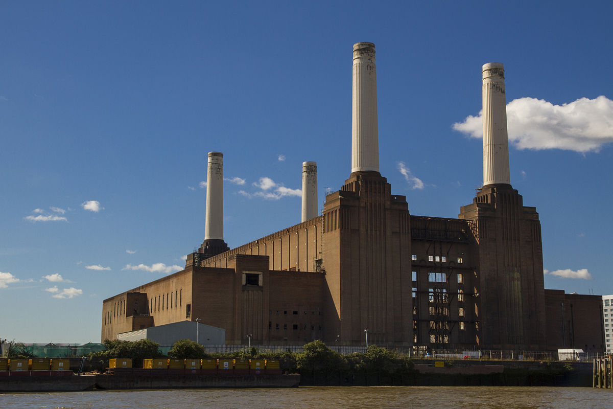 https://i0.wp.com/thesubmarine.it/wp-content/uploads/2017/04/1200px-Battersea_Power_Station_from_the_river.jpg?fit=1200%2C800&ssl=1