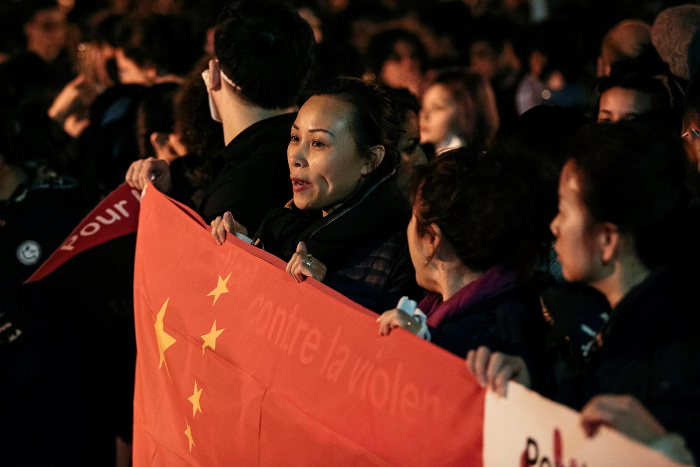 La risposta della comunità cinese parigina all'uccisione di Shaoyo Liu
