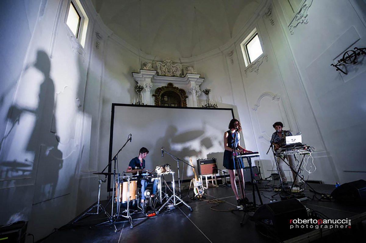 Il live di Birthh nel 2016 sul Mr Y. Stage