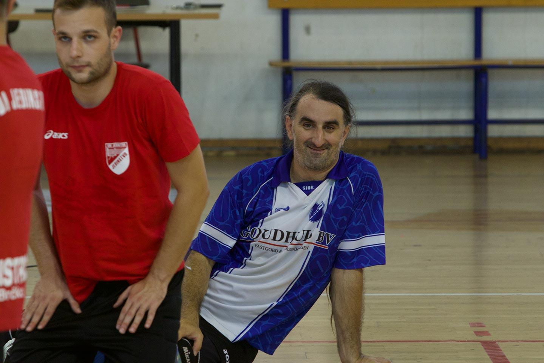 La storia di Mirko, pallavolista senza una gamba per colpa delle mine