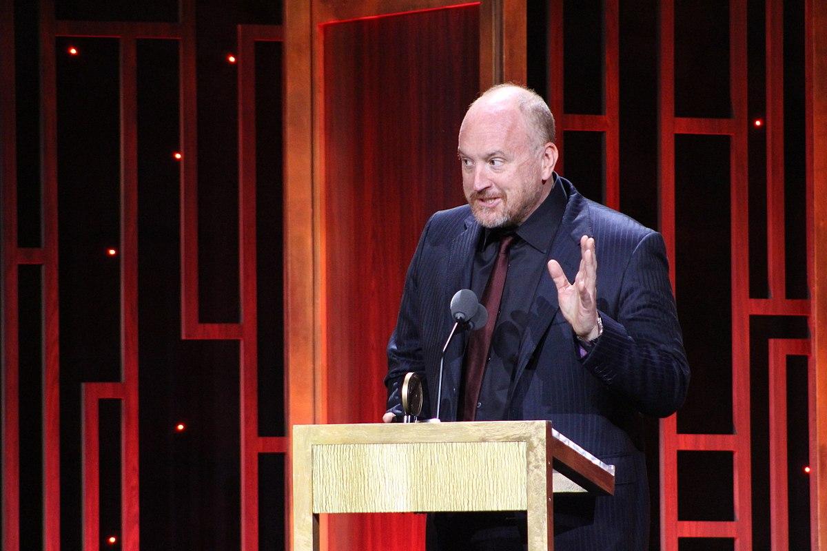 https://i0.wp.com/thesubmarine.it/wp-content/uploads/2017/11/1200px-Louis_CK_-_Peabody_Awards.jpg?fit=1200%2C800&ssl=1