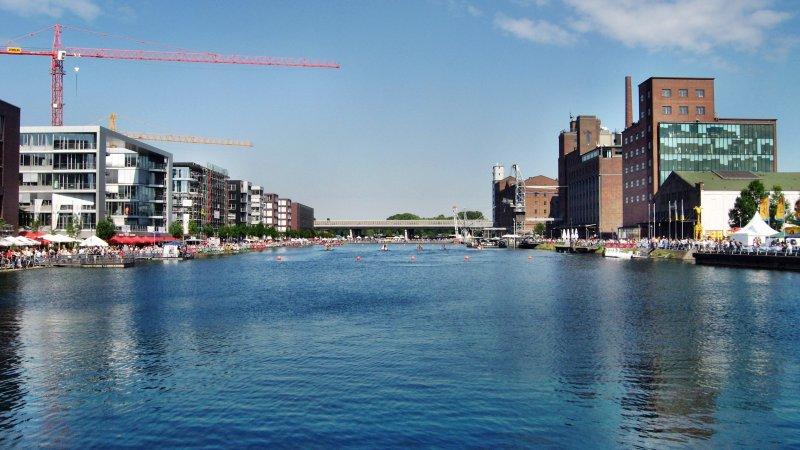 Il porto interno di Duisburg / Wikimedia Commons