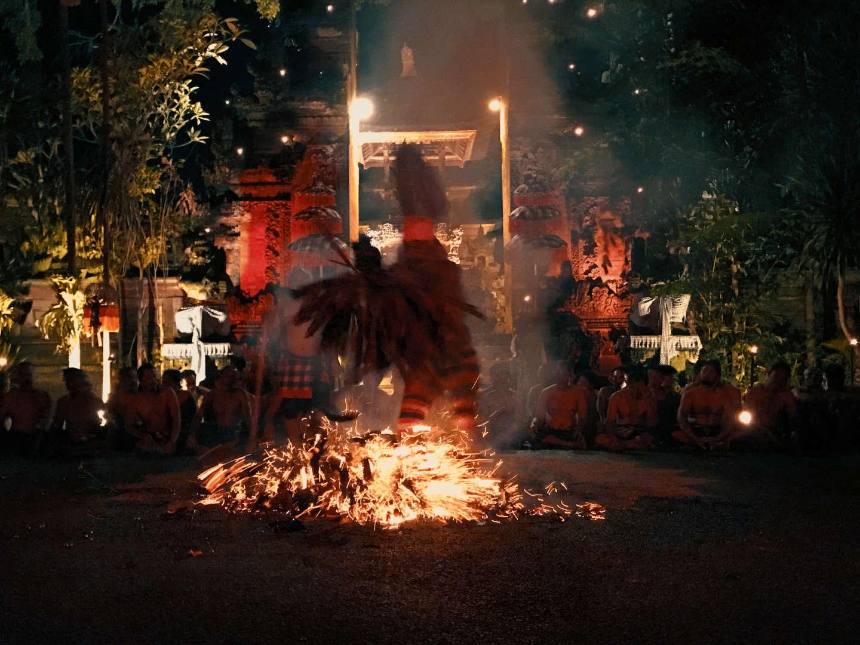 Il <em>Kecak</em> e la ricerca del significato della danza rituale