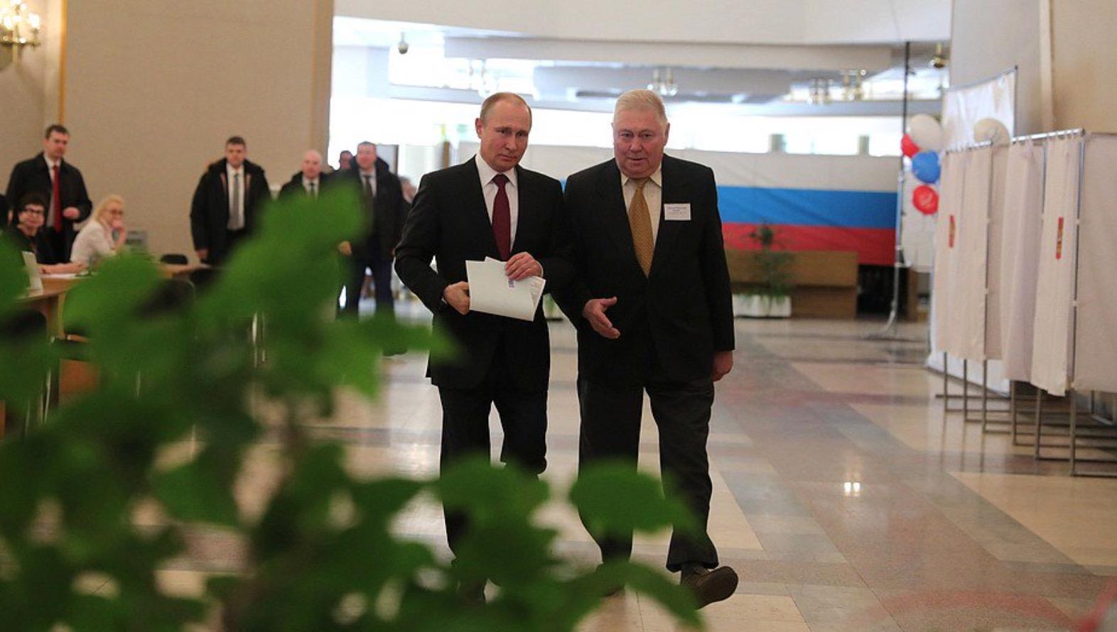 <em>Hello, World!</em> <br />Putin, season finale