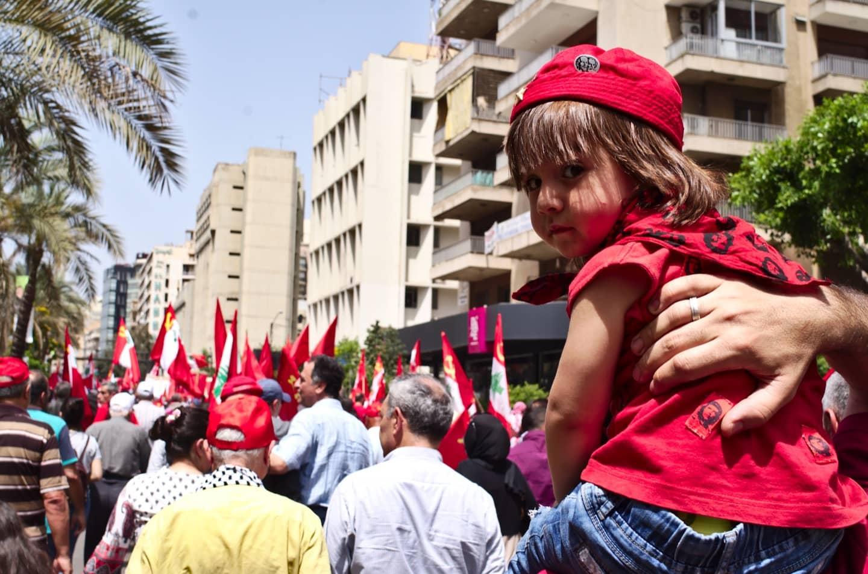Primo maggio a Beirut, tra le bandiere rosse dei comunisti che si preparano al voto