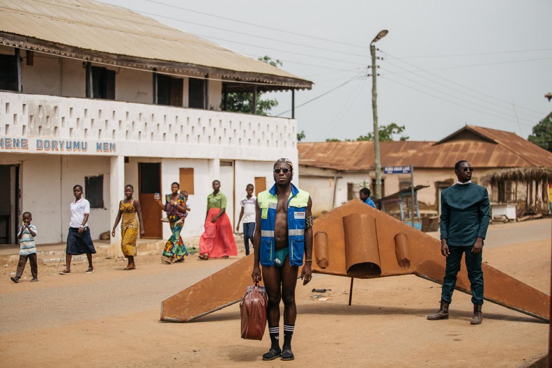 Droni di scarto e milizie steampunk, la afro house di Accra viene dal futuro