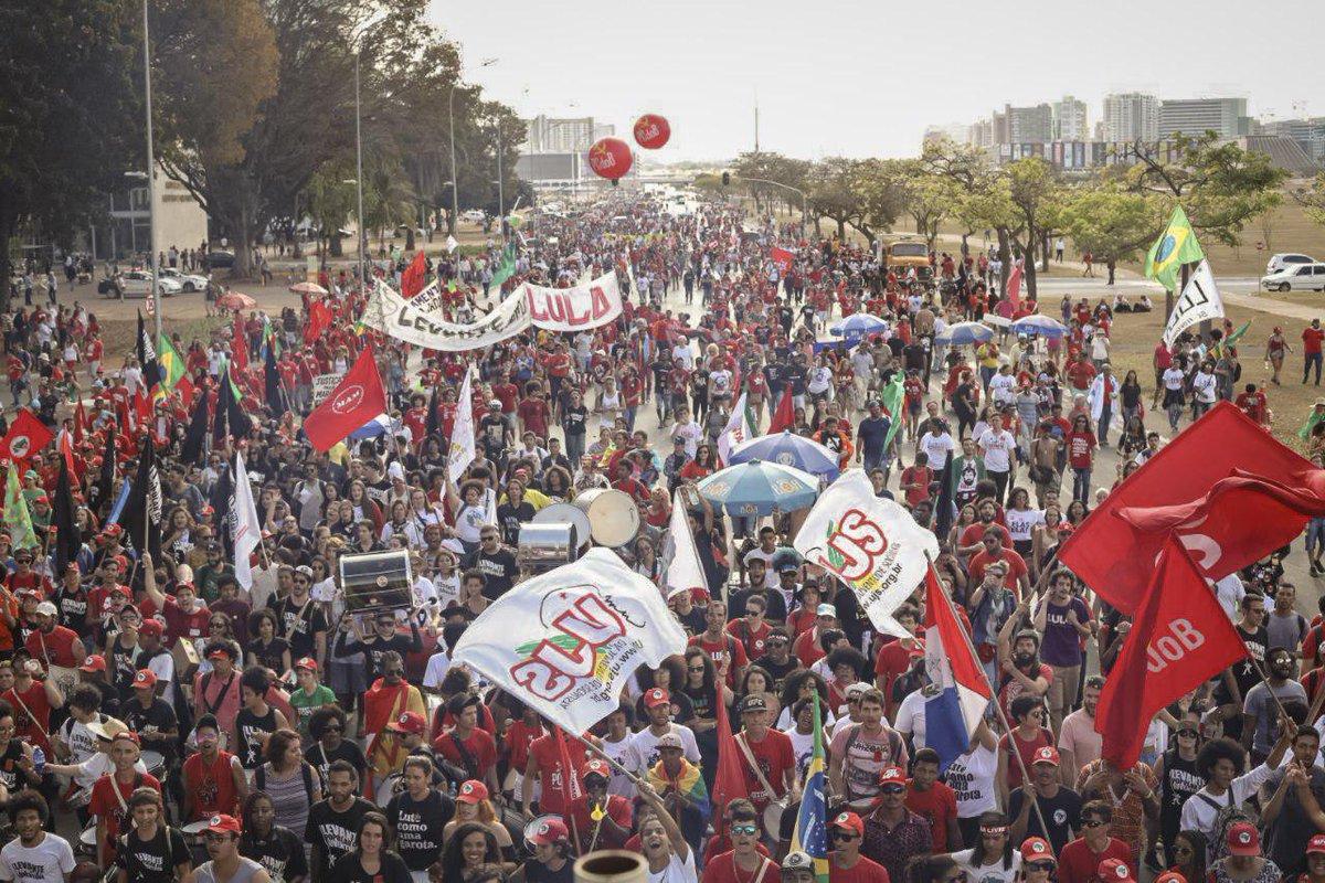 Una manifestazione in supporto di Lula, 15 agosto 2018. Foto via Twitter