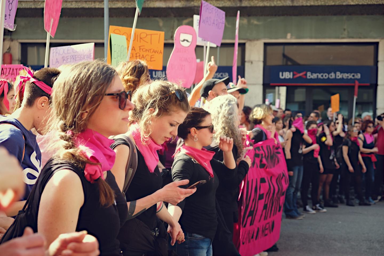 La marea transfemminista contro l'oscurantismo