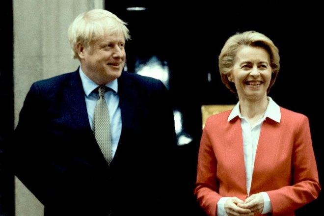 Boris Johnson vuole distruggere l'accordo per la Brexit firmato da Boris Johnson