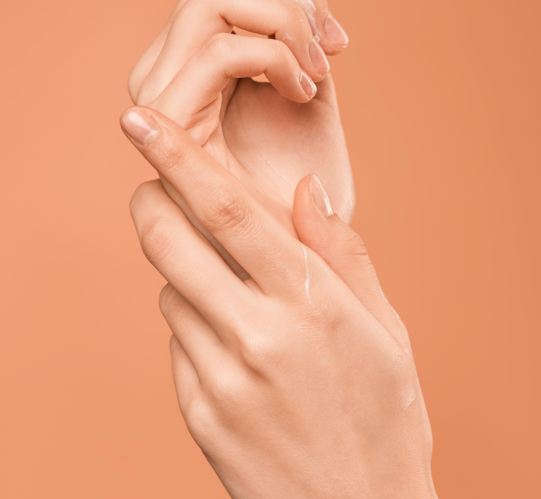Il 10% degli italiani soffre di dermatite da contatto: quali sono i materiali a rischio?