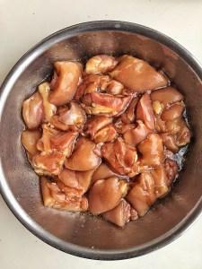 marinated chicken in bowl