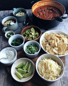 Basic chili and toppings