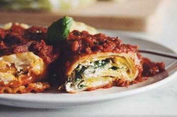 lasagna roll ups via hot for food