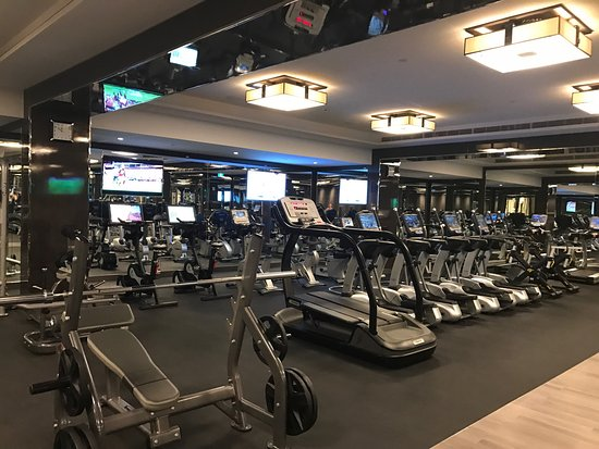 crown-towers-perth gym