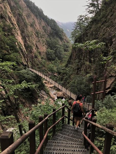 Seoraksan-National-Park-Budget-Breakdown-Backpacking-South-Korea-on-the-Cheap
