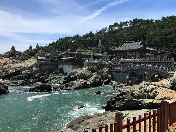 Yonggungsa-Temple-Budget-Breakdown-Backpacking-South-Korea-on-the-Cheap