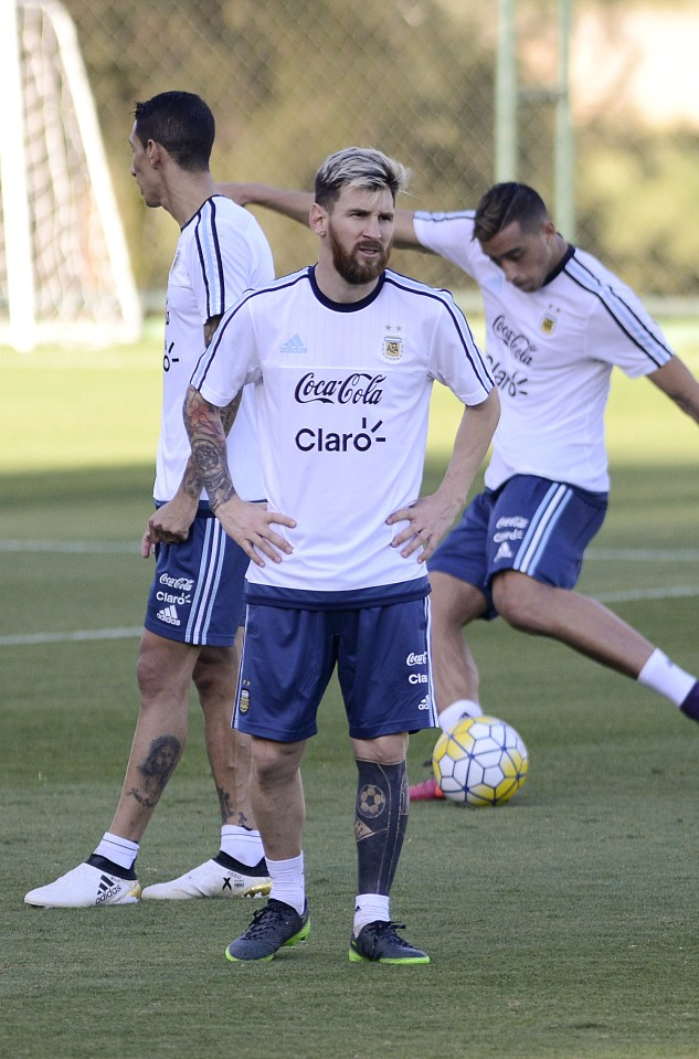 Lionel Messi Leg Tattoo : lionel, messi, tattoo, Lionel, Messi, Tattoo:, Barcelona, Shows, Bizarre, Inking, Argentina, Training