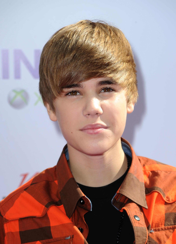 Justin Bieber Old Haircut : justin, bieber, haircut, Justin, Bieber, Rewinds, Fringed, Haircut, Harks, Heyday