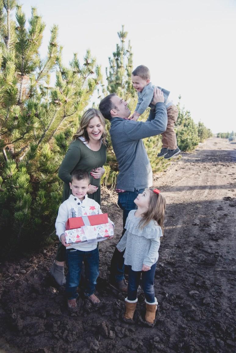 Sunday Family Christmas Card Photos 2017-9