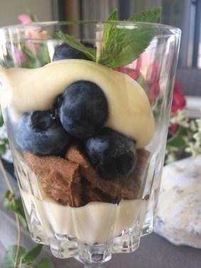Mascarponecreme, Dessert im Glas, Heidelbeeren
