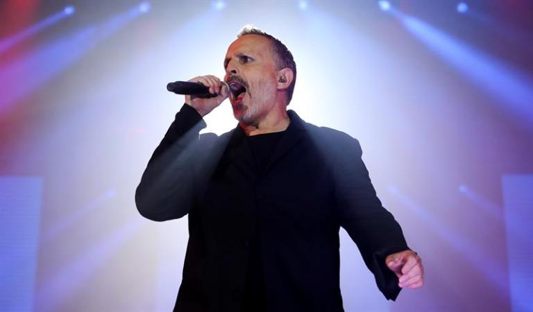 Grammy Latino and Miguel Bosé award scholarship to young Dominican musician