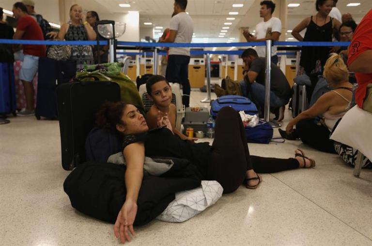 More than 10,000 people arrived from Puerto Rico to Florida in the last three days