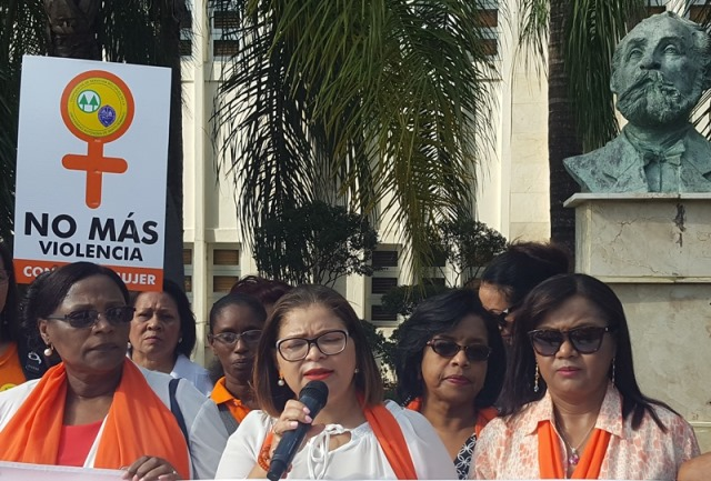 DR moves towards a sad goal: 130 women murdered in 2017