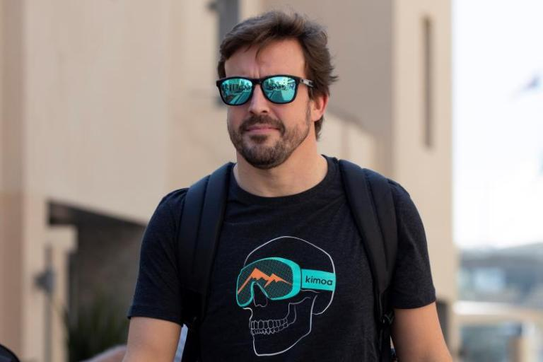 Alonso, with new team, Daytona star in his second participation