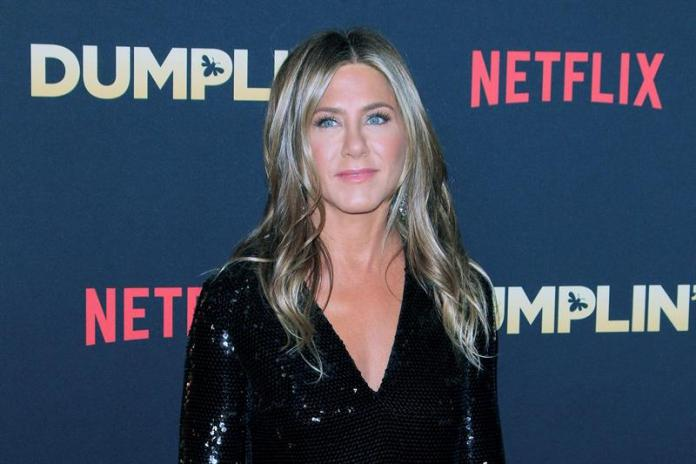 Jennifer Aniston and Reese Witherspoon begin season 2 of the Morning Show, which is already dated