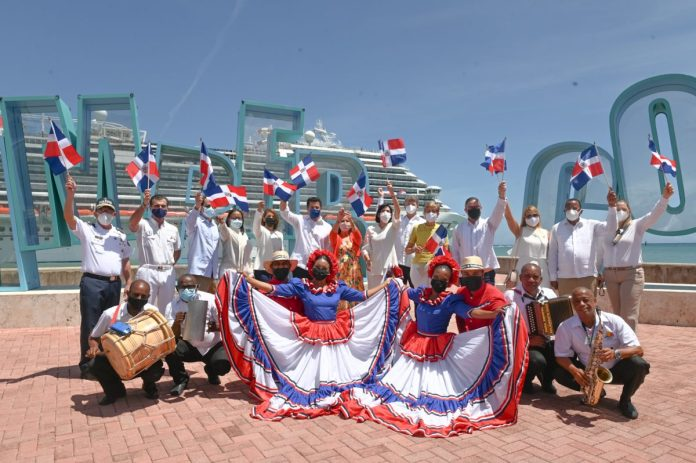 Arrival of Carnival Horizon reopens cruise tourism in the DR