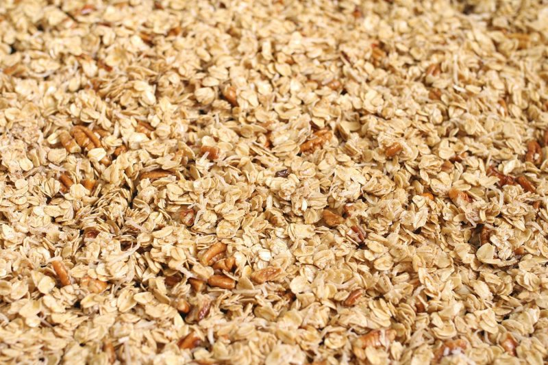 vegan granola, granola recipe, vegan granola recipe, how to make granola, healthy kid foods, kid friendly snacks, kid friendly breakfast, easy breakfast ideas, easy snack ideas, mom blog, mom blogger, mom bloggers, mom blogs, family friendly dishes, recipes, recipe, food blog, food bloggers