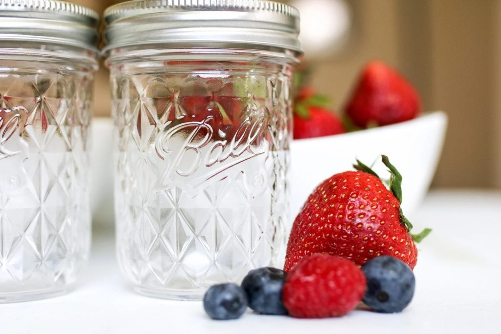 Small-batch canning, hobby, summer, fresh, quality, preserve, share, easy, how to, mommy blog, mom blogger, family blog, family influencer, instagram, mother, father, tween blog, dad blog, travel family blog, United States, family travel blogs, 2018, mom blog, top, best, mommy blogger, daddy blog, tween blogger, child brand influencer, the super mom life, dad blog, dad blogger
