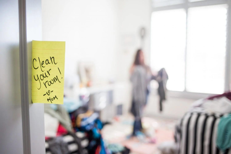 declutter, clutter, decluttering, messy home, minimalism, children, kids, mom blog, mom blogger, mommy blog, mommy blogger, 2018, family blog, parenting blog, the super mom life, thesupermomlife, travel blogger, parenting blogger, family blogger