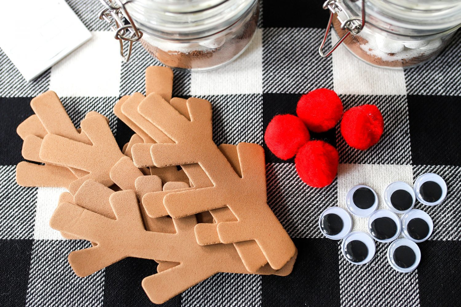 craft pieces you need to create a reindeer