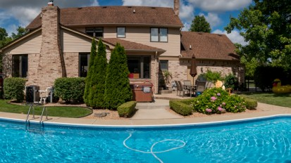 PENDING – 54322 Shady Lane, Shelby Township